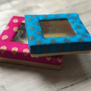 009BT Square Silk Box